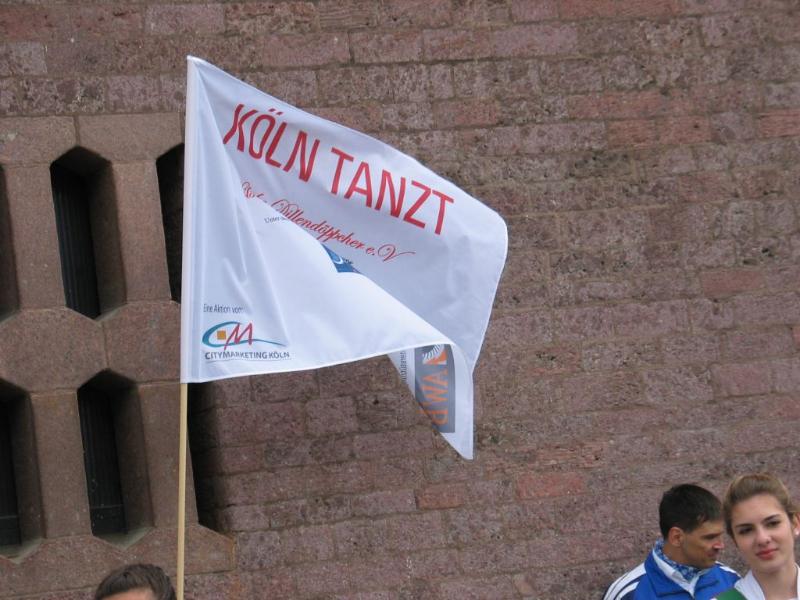 koeln-tanzt-fahne